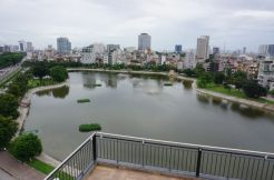 Lake view Apartment Dong Da district for rent