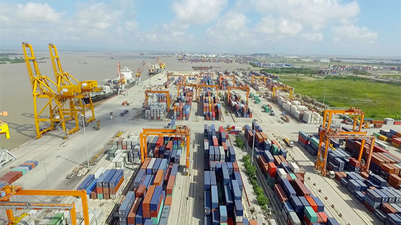 lach-huyen-deep-sea-port-container-terminal