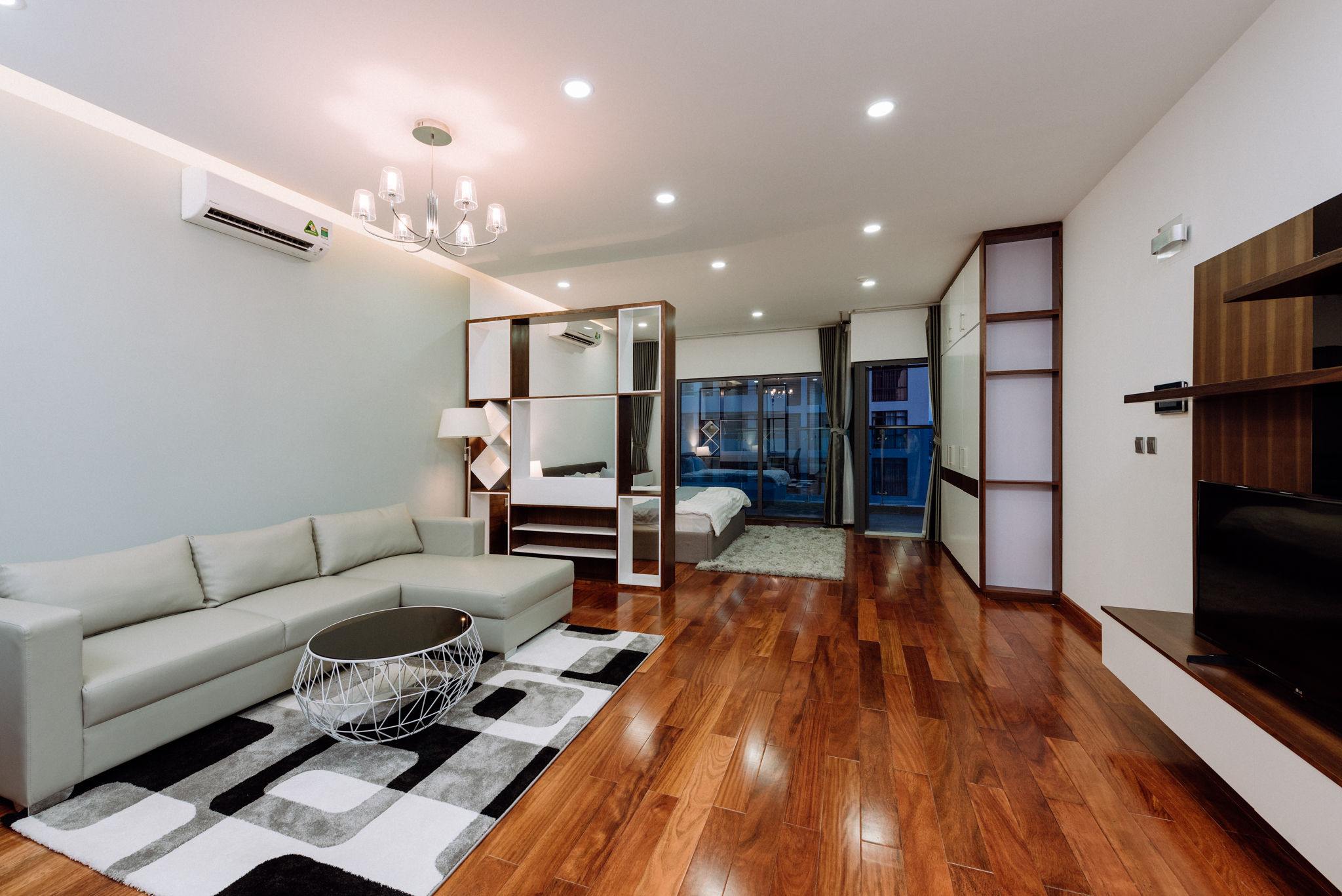 Serviced Apartment Trang An complex for rent