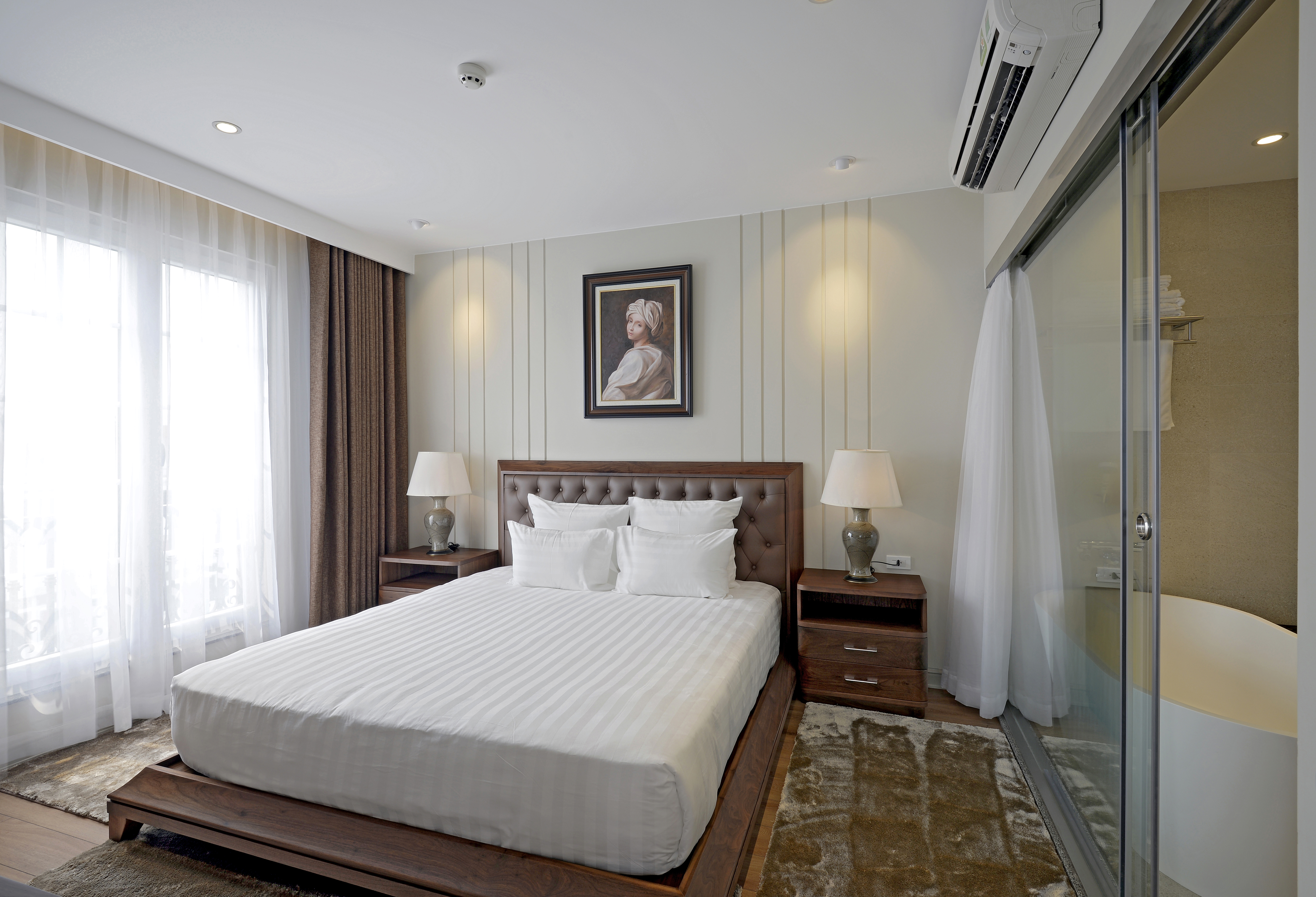 Gorgeous Apartment Hai Ba Trung district for rent