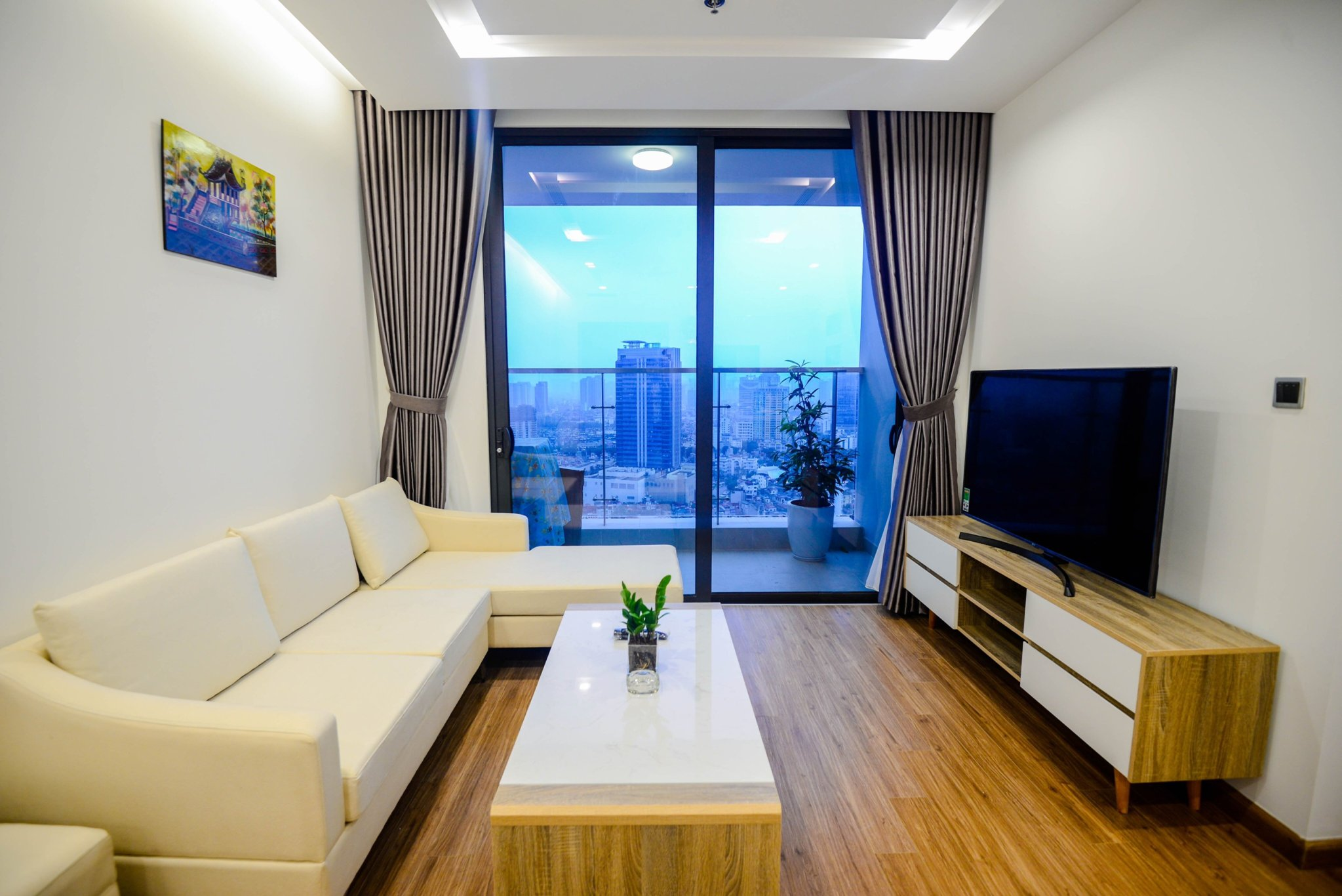 Well-equipped Apartment Vinhomes Metropolis for rent