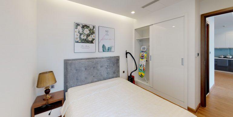M1-3611-Bedroom (1)