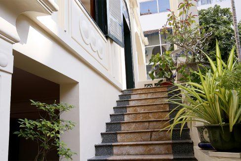 14. stair to livingroom - Copy