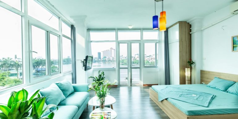 Colorful Truc Bach studio apartment