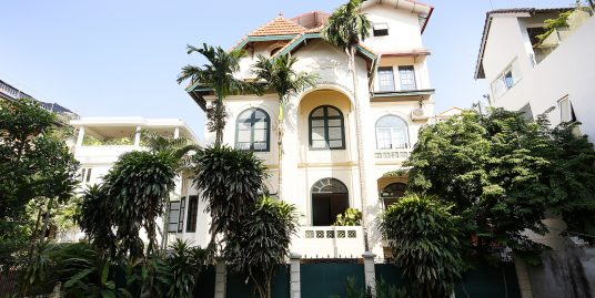 French Style Villa Tay Ho with 5 bedrooms for rent