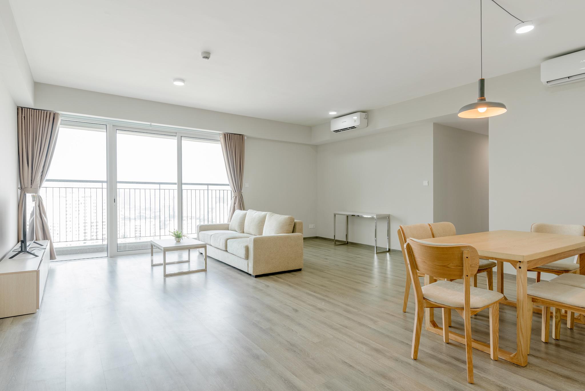 Spacious apartment Seasons Avenue Ha dong for rent