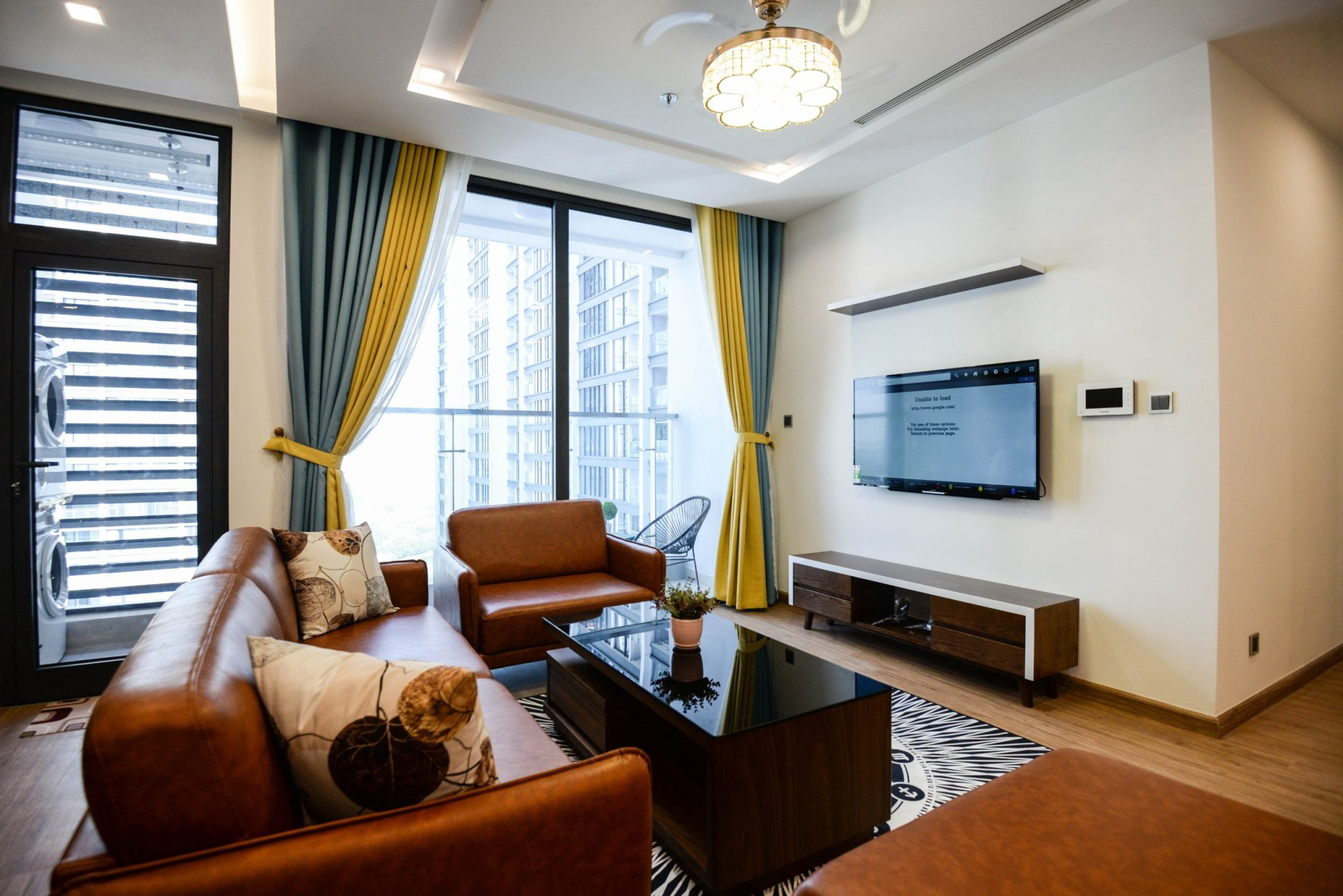 Spacious Apartment Vinhomes Metropolis with 4 bedrooms for rent