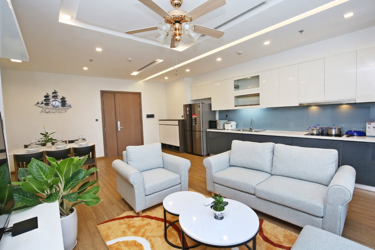 Charming Apartment in Vinhomes Metropolis for rent