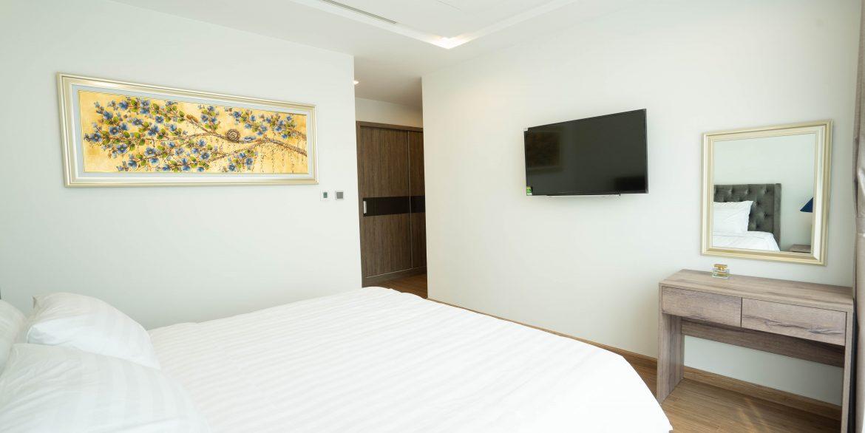 master bedroom (5)