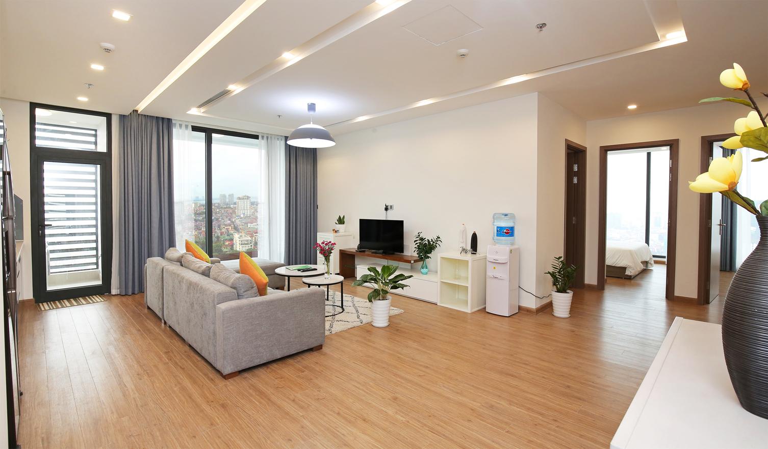 Cho thuê căn hộ 4 phòng ngủ Vinhomes Metropolis