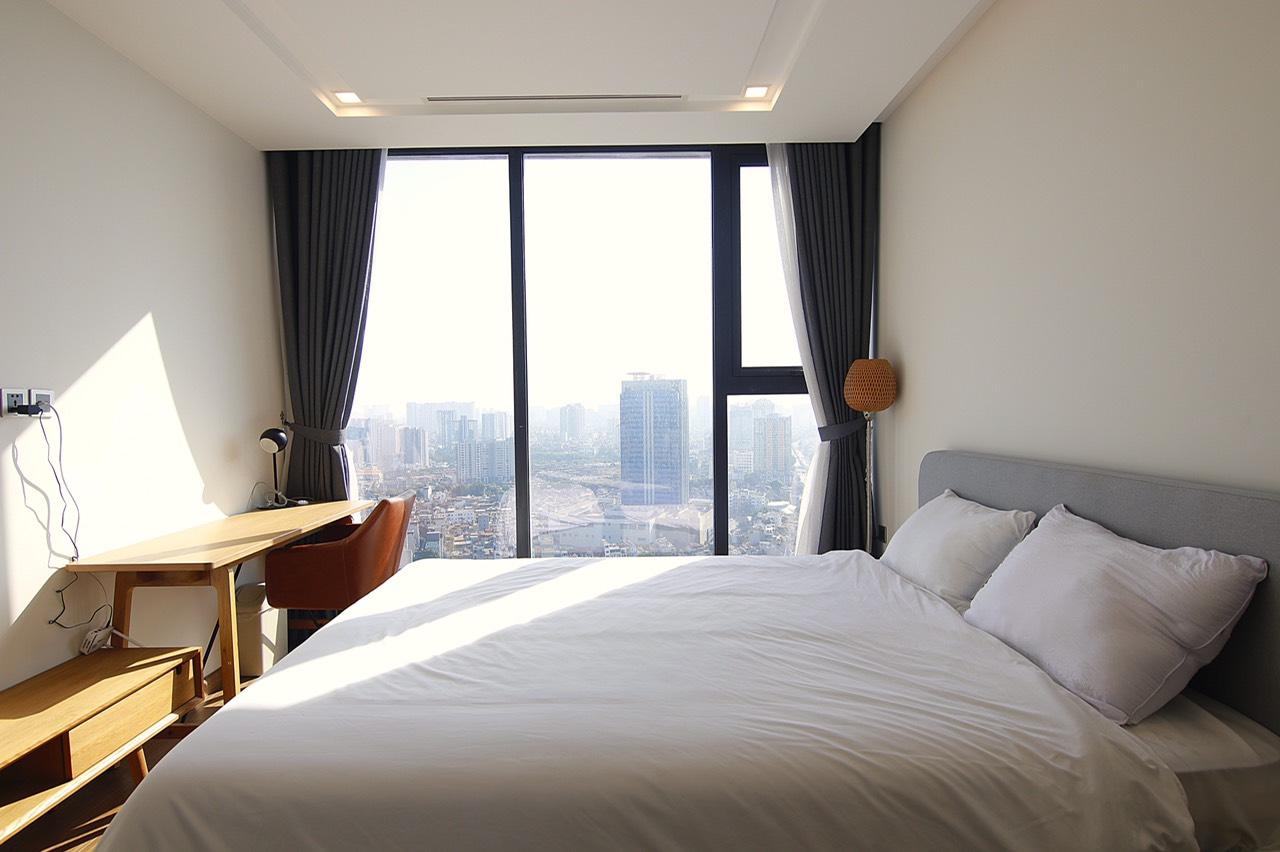 Two-Bedroom Apartment on High-Floor Vinhomes Metropolis